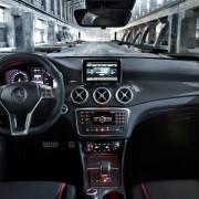 Mercedes-CLA-45-AMG-5